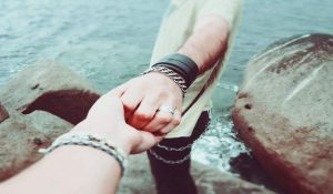 The 6 Most Common Signs of a Magnetic Attraction Between two Soulmates