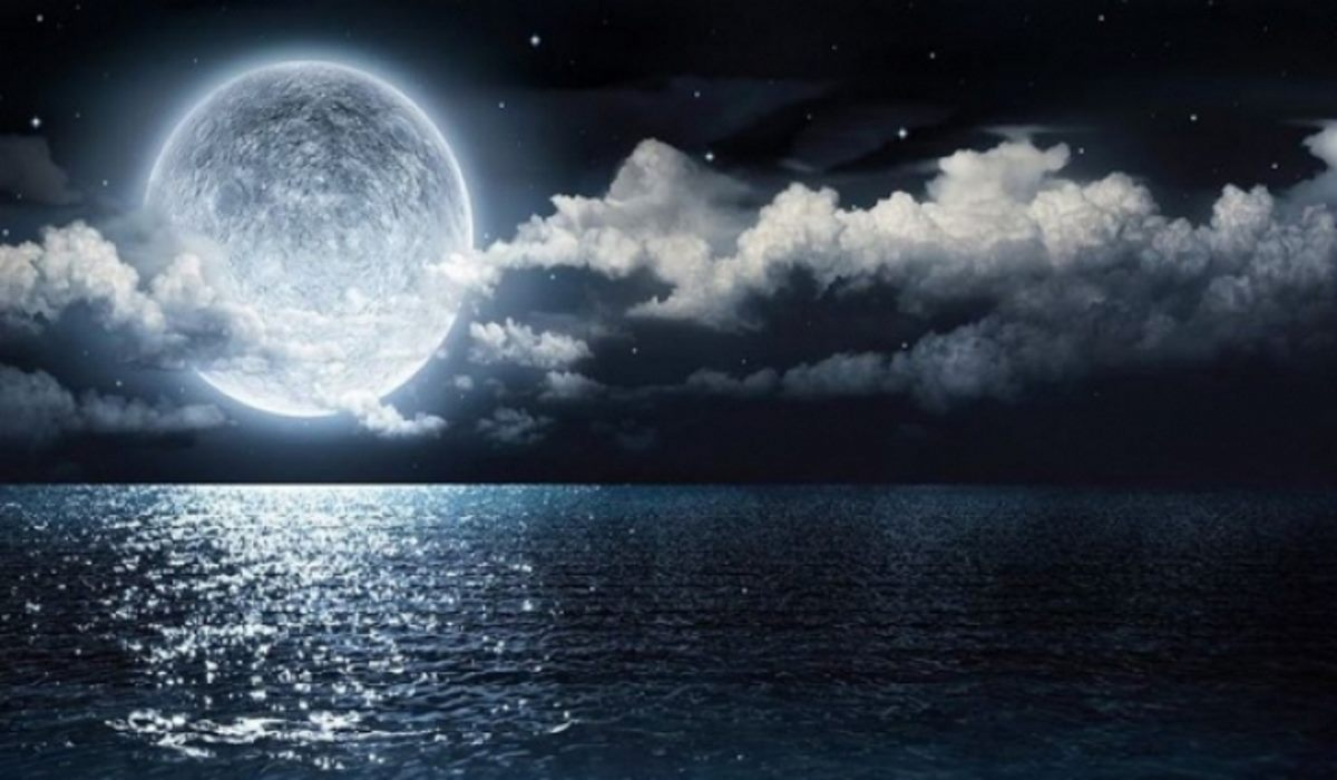 The 4 Zodiac Signs that the Full Moon of August 15, 2019 Will Affect the Most
