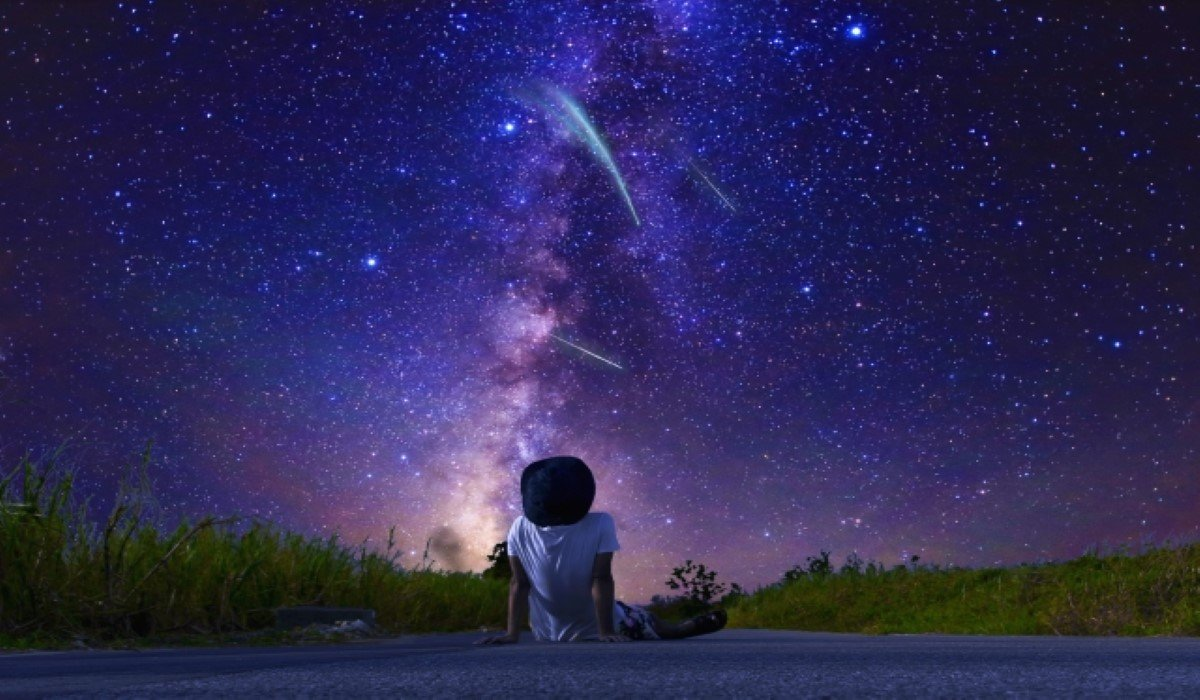 16 Signs the Universe Is Trying to Tell You Something Crucial